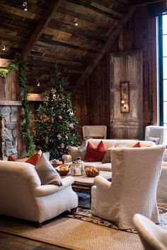 A Rustic Winter Farm Wedding captured by Viera Photographics featuring Grammy winner, Chris Thile of Nickel Creek and actress, Claire Coffee of NBC's Grimm. Cozy Cottage, Cottage Style, Rustic Cottage, Style At Home, Cabins And Cottages, Rustic Christmas, Cottage Christmas, Christmas Elf, Xmas