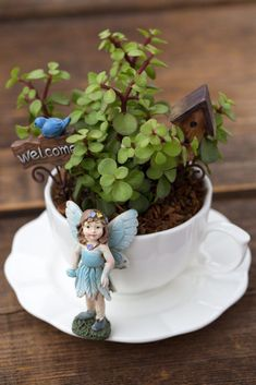 Stunning DIY Tea Cup Fairy Garden Ideas 35