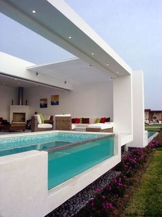 casas: Casa Frente al Mar - José Orrego Arquitecto Small Backyard Pools, Backyard Pool Designs, Small Pools, Swimming Pools Backyard, Swimming Pool Designs, Patio Design, Luxury Swimming Pools, Luxury Pools, Dream Pools