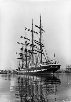 The Lancing at anchor in Oslo harbour