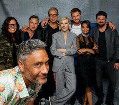 Marvel Actors, Marvel Characters, Marvel Avengers, Ragnarok Movie, Bae, Taika Waititi, Marvel Photo, Avengers Cast, Karl Urban
