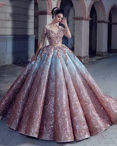 Kleider - ღ sаℓσмé ღ sєrт ღ Informationen zu gowns Pin Sie können mein Profil ganz einfach verw - Ball Gown Dresses, Evening Dresses, Bridal Dresses, Dress Up, Ball Gowns Prom, Dress Clothes, Pretty Prom Dresses, Elegant Dresses, Debut Gowns