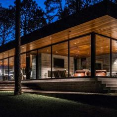 This modern home really connects with nature. Completed in it was designed by the architecture firm Wernerfield, located in Cedar Creek Reservoir, TX. Modern Architecture House, Facade Architecture, Residential Architecture, Modern Contemporary Homes, Contemporary Landscape, Tiny House Design, Modern House Design, Container Homes Australia, Residential Landscaping