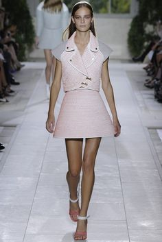 Balenciaga RTW Spring 2014 - Slideshow - Runway, Fashion Week, Reviews and Slideshows - WWD.com