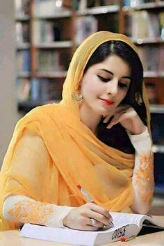 Lovely indian beauty in veil Beautiful Muslim Women, Beautiful Girl Indian, Beautiful Girl Image, Beautiful Hijab, Girls Dp Stylish, Stylish Girl Images, Beauty Full Girl, Beauty Women, Muslim Beauty