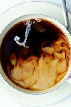 Coffee | コーヒー | Café | Caffè | кофе | Kaffe | Kō Hī | Java | Caffeine |  Люблю смотреть как сливки смешиваются с кофе)