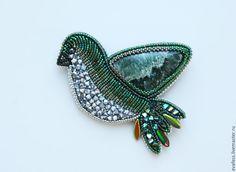 """Купить Брошь """"Апрельская птичка"""" - болотный, зеленый, изумрудный, темно-зеленый, серебряный, птица"""
