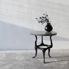 Amaranth Lamp Table | Cracked lacquer | Alexander Lamont