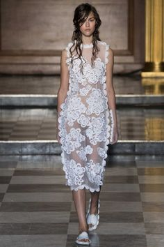 Simone Rocha ready-to-wear spring/summer '15 gallery - Vogue Australia