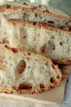 Bread all holes Ciabatta, Italian Bread Recipes, Wine Recipes, Cooking Recipes, Focaccia Pizza, Rustic Bread, Sourdough Bread, Artisan Bread, Croissants