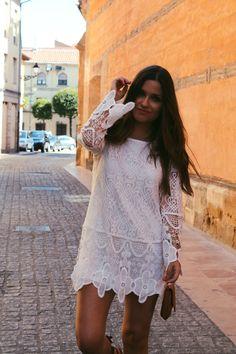 White #summer #dress #outfit More on: http://www.littleblackcoconut.com/2016/07/the-perfect-white-dress.html