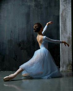 Ballet dancer - The MAN Ballet Dancer Sophisticated 50876670777622641 Ballet Images, Ballet Pictures, Dance Pictures, Ballet Painting, Ballet Art, Ballet Dancers, Ballerinas, Dance Photography Poses, Dance Poses