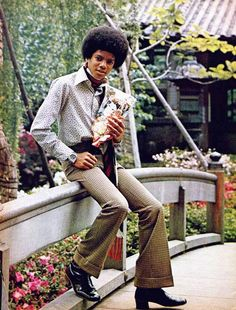 Michael Jackson in Japan The Jackson Five, Mike Jackson, Jackson Family, Young Michael Jackson, Michael Jackson Thriller, Michael Jackson Wallpaper, The Jacksons, Victoria, Superfly