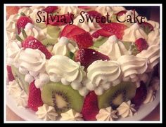 Torta alla frutta, con crema al mascarpone, fragole, kiwi, meringhette! https://www.facebook.com/silviassweetcake #cake #fruit #strawberry #kiwi #meringue