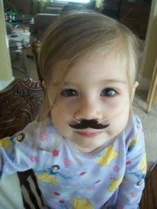 DIY mustache necklaces? Oh boy! #tutorial