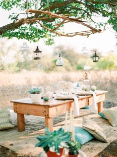 A hint of boho: http://www.stylemepretty.com/destination-weddings/2015/08/04/ibiza-inspiration-shoot-with-a-touch-of-boho/ | Photography: Anna Lui - http://www.analuiphotography.com/