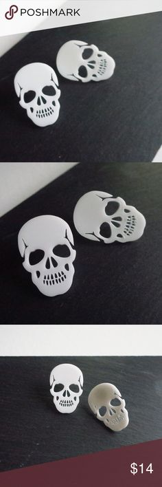 Lazer Cut Skull Studs Large Size White Lazer Cut Skull Studs Large White Hard Acrylic lazer cut into skulls Long x Wide Hypoallergenic alloy back with rubber backs NWOT Boutique Packaged with Care Jewelry Earrings Lazer Cut, Skull Pendant, Large White, Skulls, Fashion Tips, Fashion Design, Boutique, My Favorite Things, Earrings