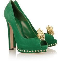 Alexander McQueen Skull-embellished suede pumps ($805) ❤ liked on Polyvore featuring shoes, pumps, heels, alexander mcqueen, green, studded pumps, suede platform pumps, green peep toe pumps, green platform pumps and green pumps