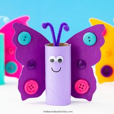 This toilet paper roll butterfly crafts is perfect for kids to make! You only need a few supplies and you can decorate the wings in so many ways! Toddler Crafts Mothers Day, Toddler Arts And Crafts, Recycled Crafts Kids, Spring Crafts For Kids, Daycare Crafts, Fun Crafts For Kids, Preschool Crafts, Art For Kids, Easter Crafts
