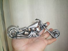 escultura metal reciclagem -