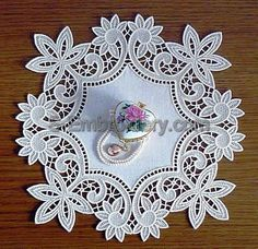 10467 Floral free standing lace doily - A free standing lace floral machine embroidery design. Cutwork Embroidery, Machine Embroidery Patterns, Lace Patterns, Embroidery Stitches, Lace Doilies, Embroidery Techniques, Quilting Designs, Sewing Crafts, Decoration