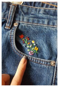 Embroidery On Clothes, Cute Embroidery, Embroidered Clothes, Hand Embroidery Patterns, Floral Embroidery, Embroidery Stitches, Embroidery Designs, Jeans With Embroidery, Embroidery On Tshirt