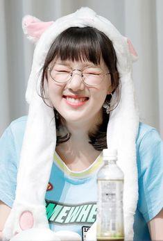 Kpop Girl Groups, Korean Girl Groups, Kpop Girls, Extended Play, Kim Ye Won, Jung Eun Bi, The Girlfriends, G Friend, Sabrina Carpenter
