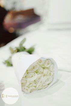Hand Bouquet Wedding with Maheswara  #decoration #prewedd #prewedding #weddingku #fotograferjakarta #weddingphoto #fotowedding #weddingphotography #brides #fotograferwedding #wo #akadnikah #candid #weddingday #mahligai #maheswara #capturingmoments #bridal #weddingorganizer #weddingplanner #weddingphotographer #thebridestory #thebridedept #junebugweddings #smpwedding #signatureweddings #signatureweddingasia #theweddingscope