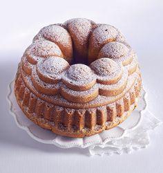Babiččina bábovka Let Them Eat Cake, Bagel, Doughnut, Bread, Food, Brot, Essen, Baking, Meals