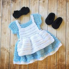 Alice in Wonderland Inspired Costume/Crochet Alice in Wonderland Dress/Alice in Wonderland Photo Prop Newborn to 12 Months- MADE TO ORDER - Everything For Babies Crochet Baby Costumes, Crochet Baby Clothes, Crochet Toys, Free Crochet, Baby Patterns, Crochet Patterns, Crochet Ideas, Robes Disney, Baby Kostüm