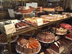 ハプスブルク家ゆかり!歴史あるウィーン名菓子店「デメル」 | オーストリア | トラベルjp<たびねす>
