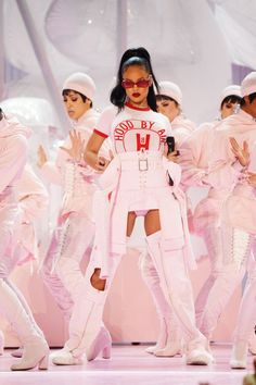 21 Ways You Can Channel Rihanna For Halloween This Year Bubblegum Pink Rihanna