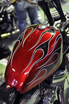 Harley Davidson Events Is for All Harley Davidson Events Happening All Over The world Harley Davidson Iron 883, Harley 883, Harley Race, Custom Motorcycle Paint Jobs, Custom Paint Jobs, Custom Art, Air Brush Painting, Car Painting, Sign Painting
