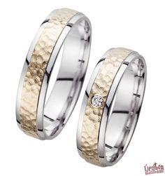 HR71 Karikagyűrű http://uristenhazasodunk.hu/karikagyuruk/?nggpage=2&pid=2996 Karikagyűrű, Eljegyzési gyűrű, Jegygyűrű… semmi más! :)