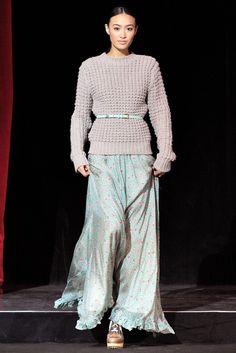 Paul & Joe Fall 2011 Ready-to-Wear Fashion Show - Shu Pei Qin