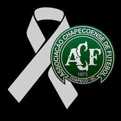 #Luto  Não só o Brasil, mais todo o mundo está de luto pela tragédia com o time @chapecoensereal  #prayforchape #forçachape #futebol #somostodoschape #prayforchapecoense⚽️