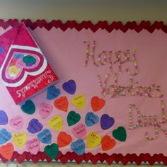 Sweethearts Bulletin Board Idea For Valentine's Day. Let the love spring into your life and make your world filled with happiness and cheer with Valentine's Day bulletin board ideas. February Bulletin Boards, Valentines Day Bulletin Board, Birthday Bulletin Boards, Preschool Bulletin Boards, Classroom Bulletin Boards, Birthday Board, Classroom Crafts, Classroom Ideas, Classroom Walls