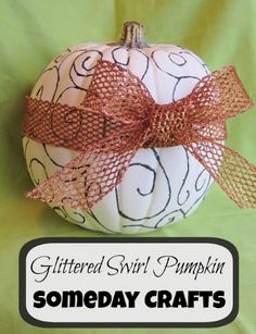 Swirl Glitter Pumpkins by @Tami Sutherland Chapman Crafts #MPumpkins