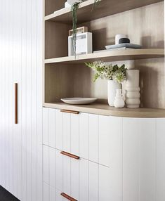 Often we hear interior designers colour palettes are influenced by other artwork or elements in their space. Why not make that the case for your handles? These aren't a direct match for the timber shelving, but carry the same warmth that timber adds to a room. Let your appliances, textures and colour palette dictate where you go with your fixtures. Home Decor Kitchen, Kitchen Interior, New Kitchen, Kitchen Design, Kitchen Ideas, Farmhouse Kitchen Cabinets, Interior Design Magazine, Joinery, Home Decor Inspiration