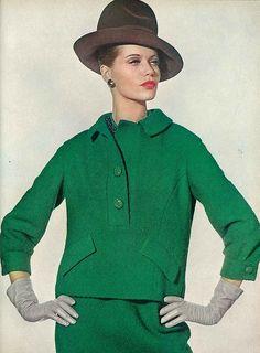 Veruschka, August Vogue 1963 Irving Penn