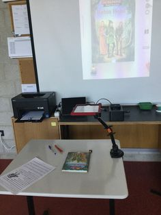 Das iPad als Dokumentenkamera Apple Tv, Ipad, Back To School, Desk, Teaching, Digital, Interior, Home Decor, Organisation