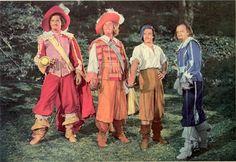 Gig Young, Robert Coote, Gene Kelly, Van Heflin - Three Musketeers (1948)