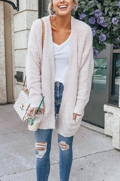 Plush Pocket Velvet Padded Cardigan - S creamy-white Cream Cardigan Outfit, Velvet Cardigan, Cardigan Outfits, Outfit Invierno, Casual Skirt Outfits, Nude Outfits, Pretty Outfits, Beautiful Outfits, Patagonia Pullover