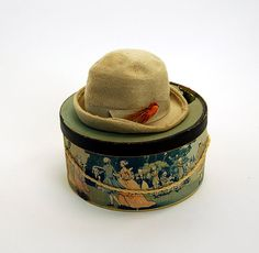 1950s fur hat and Kutz hat box with Colonial Scene