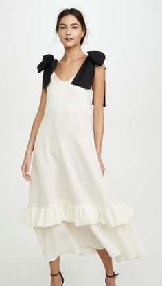 N DUO Bow-tiful Dress Source by shopbop fashion design White Ruffle Dress, Black Ruffle, Dress Black, Wedding Dress, Bridal Gown, Grecian Wedding, Vogue, Smock Dress, Gown Dress
