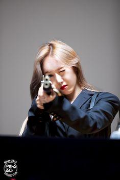 South Korean Girls, Korean Girl Groups, Sinb Gfriend, G Friend, Kpop Outfits, Bias Wrecker, K Idols, Mini Albums, Memes