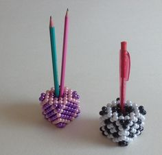 Hogyan kerül írószer a gyöngykockába? - Mesés gyöngyök Fuzz, Toothbrush Holder, Candle Holders, Candles, Cubes, Candlesticks, Porta Velas, Candy, Candelabra