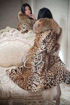 Very Chic Leopard Print Fur coat Leopard Fashion, Animal Print Fashion, Fur Fashion, Womens Fashion, Animal Prints, Leopard Coat, Fabulous Furs, Glamour, Fur Collars