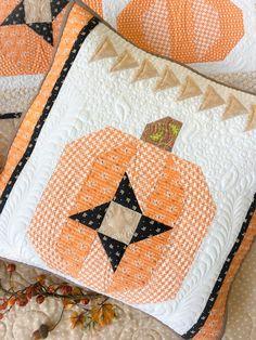 Carried Away Quilting new pattern: Pumpkin Sky. Wall hanging and pillow for autumn or Halloween. Pumpkin quilt. Moda Fabrics. Fig Tree fabrics.