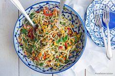 Minestrone - Italienische Gemüsesuppe (Eintopf) - Madame Cuisine Papaya Salat, Asian Coleslaw, Fruit Skewers, Healthy Salads, Wok, Japchae, A Food, Vegetarian Recipes, Stuffed Mushrooms